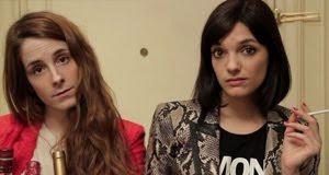 Inés y Sabrina en la serie para internet Inquilinos, escrita y dirigida por Inés de León