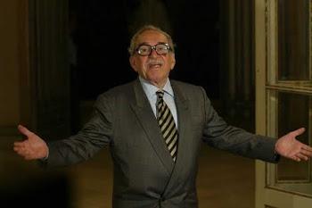 El escritor colombiano a su llegada al Palacio de Pedralbes en Barcelona