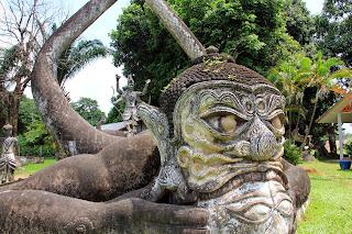 Statues de Bouddha au Parc (Vientiane, Laos)