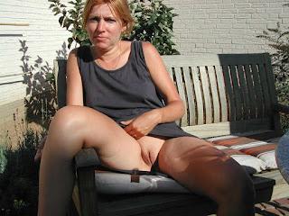 hot mature - rs-bottomless_flashing039_bottomless_flashing00932-701042.jpg