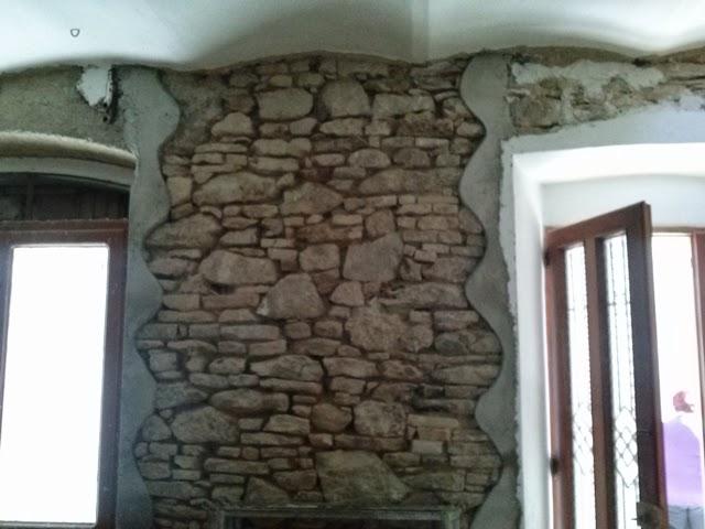Stuccare parete in pietra decorare pareti interne in pietra foto design mag pietra ricostruita - Sassi per pareti interne ...