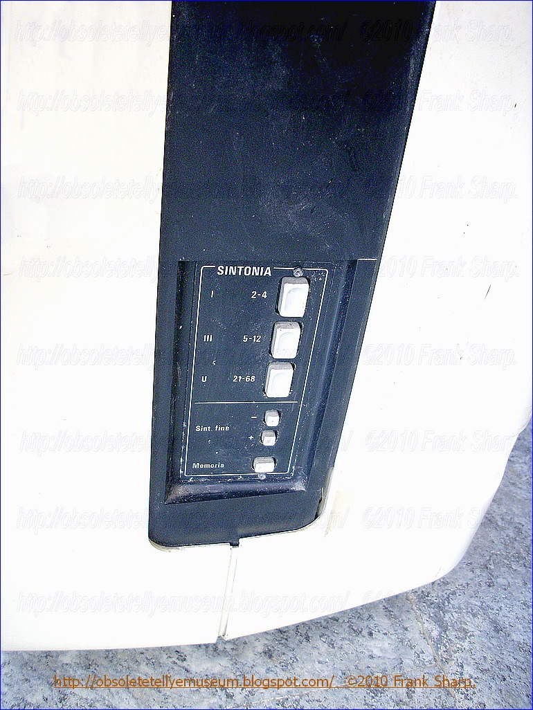 Obsolete Technology Tellye !: GRUNDIG SUPER COLOR 1820 YEAR 1978.