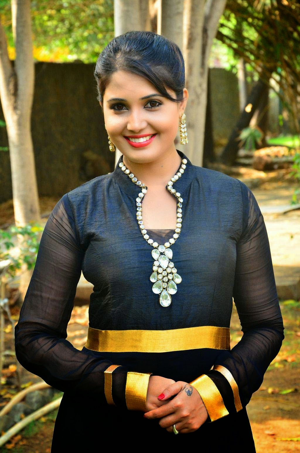 Sandra Amy Hot Stills