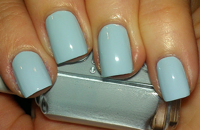 pale blue cream
