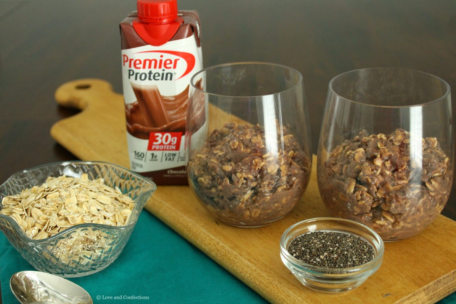 Overnight Chocolate Chia Protein Oatmeal from LoveandConfections.com #MyGoodEnergy #TeamPremier #ad