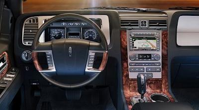 2013 Lincoln Navigator interior