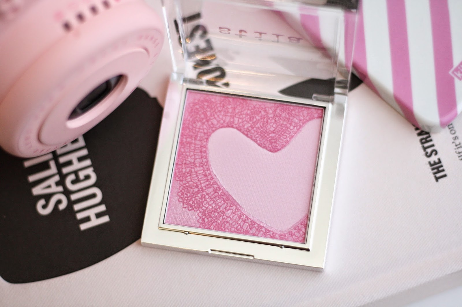 Blush, Beauty, Stila, Cosmetics, Review, Swatches, Blogger, Pretty In Pink