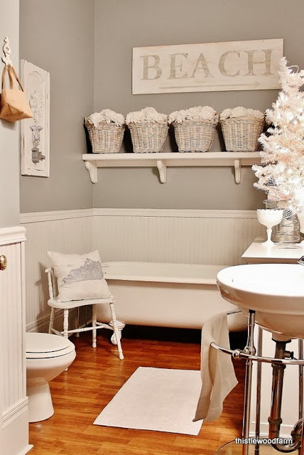 Shabby in love bathroom decorating ideas for christmas for Cute bathroom ideas decorating