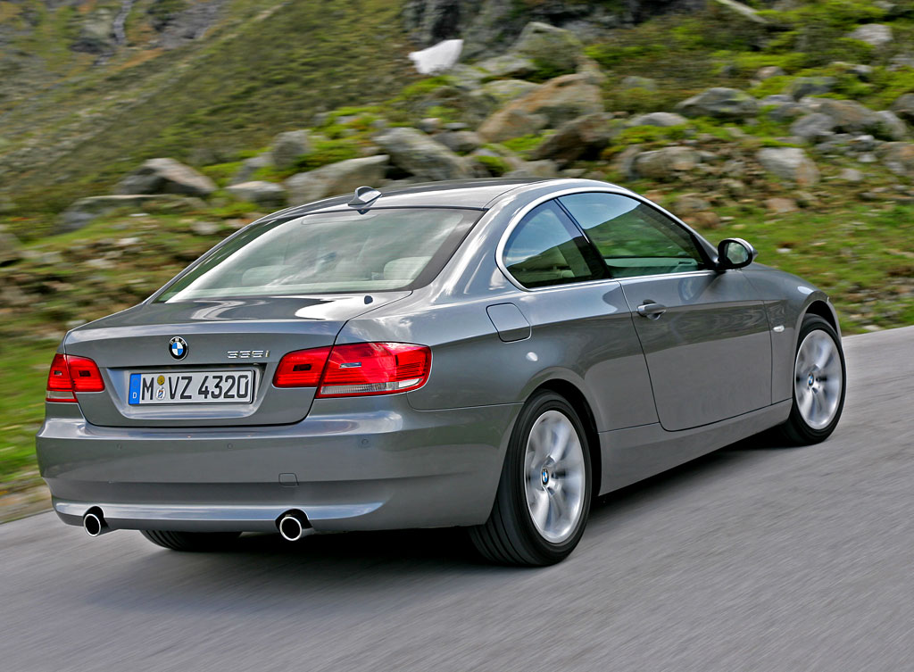 informations 2012 bmw 3 series car coupe photo gallery stills. Black Bedroom Furniture Sets. Home Design Ideas