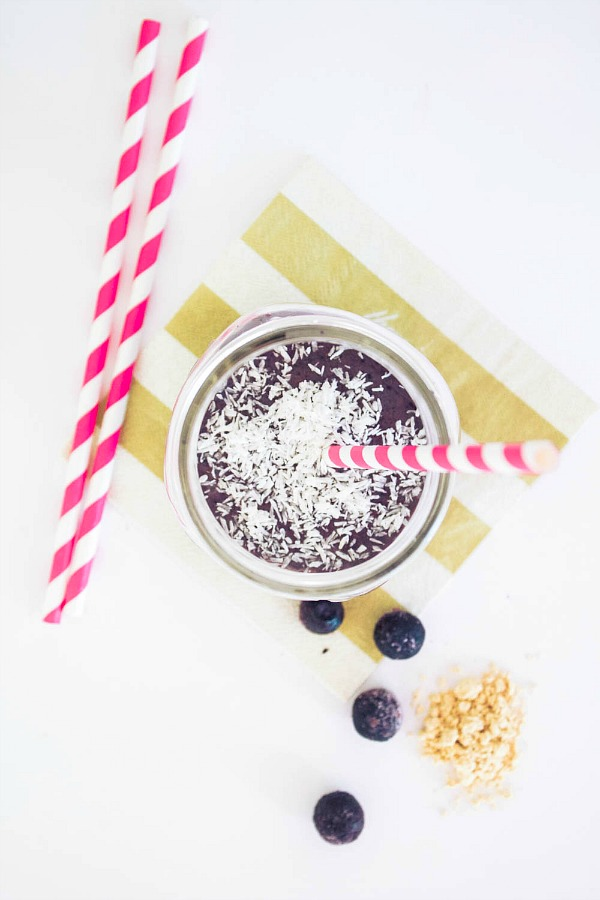 Blueberry Banana Peanut Butter Smoothie via Boone & Owl