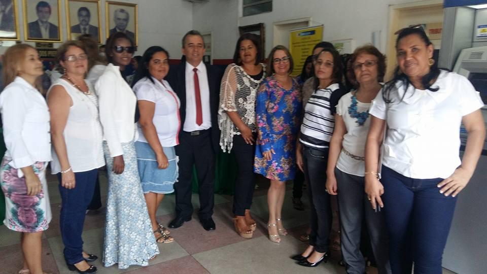 O prefeito com as gestoras