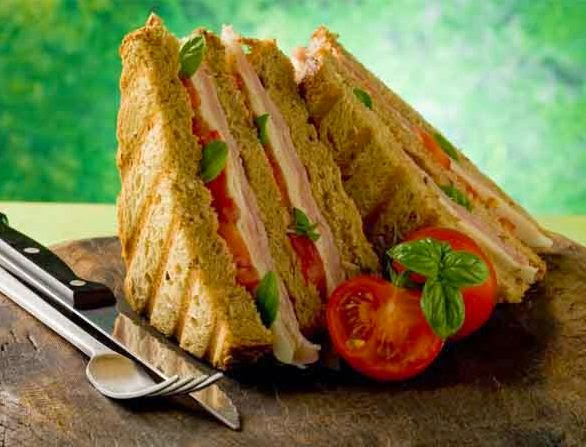Indian-Recipes-EAsy-breakfast-Egg-and-chicken-sandwich