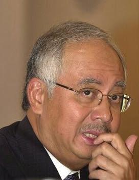 http://1.bp.blogspot.com/-BdOil3PuC_c/UGkp0ZHMYbI/AAAAAAAAIIU/IIY0a5cs4nE/s400/Najib+gigit+jari.jpg