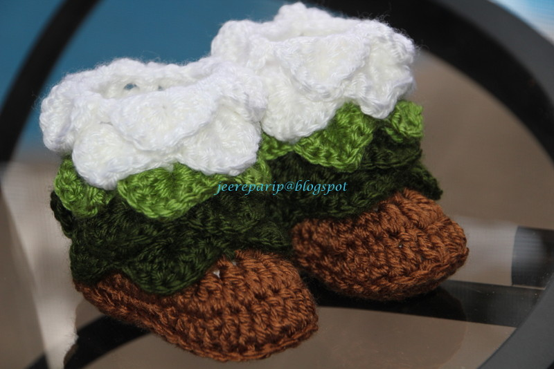 Lastly, my version of christmas booties. The Elf shoes! It also look ...