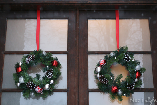 ... Online This Holiday Season With Wreath Hanging Tips, So I Thought I  Should Share My Super Simple Solution For Hanging Wreaths On Our Glass Front  Doors.