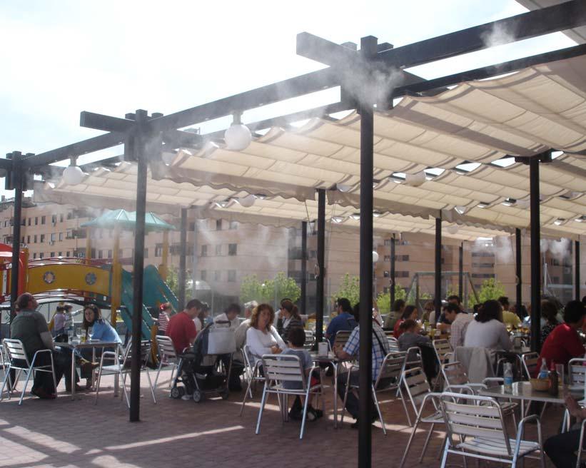 D 39 econom a blog las sombrillas en la piscina del hotel for Sombrillas para piscinas