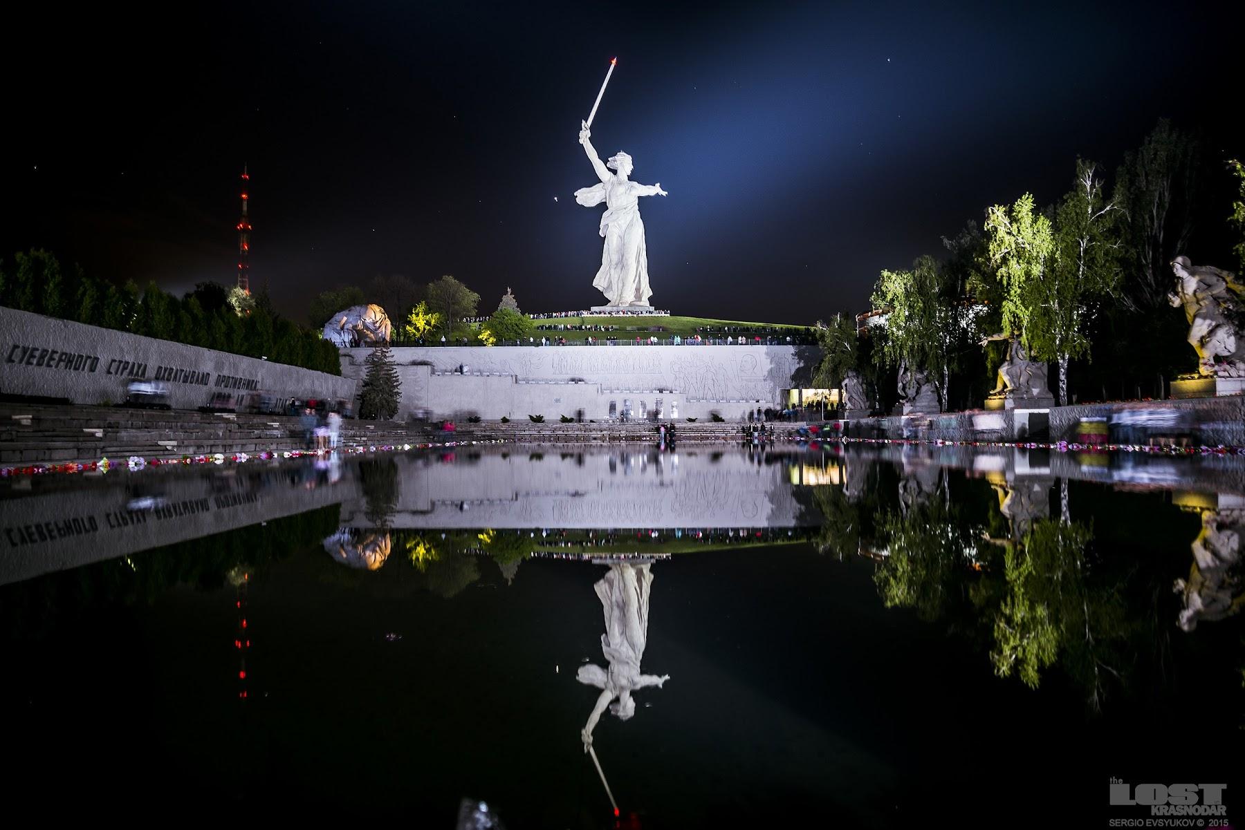 Волгоград ночью