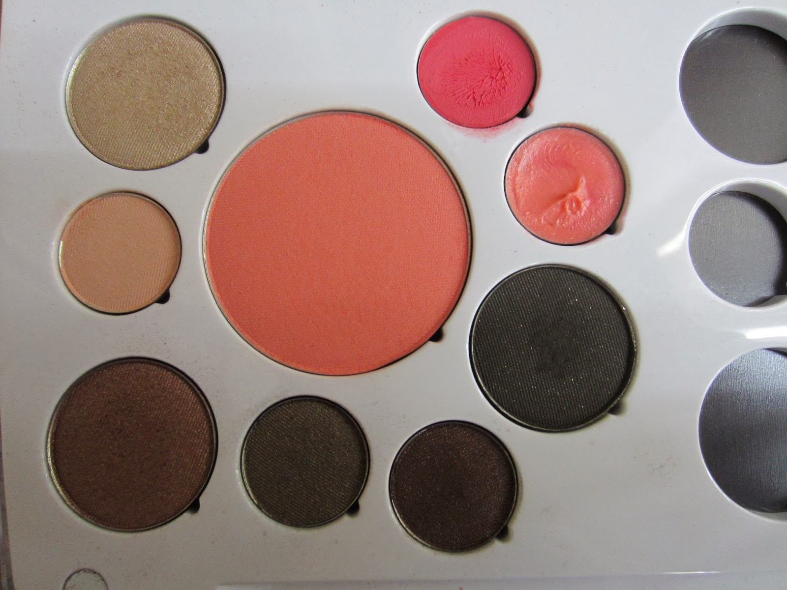 em cosmetics life palette review and swatches career life out on the back of the palette you can see all the s of the shadows