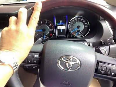 Toyota Fortuner 2016 xuất hiện trên đường phố Thái Lan