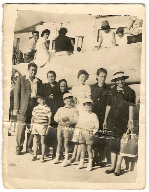 Family outing to Espinho beach, 1960
