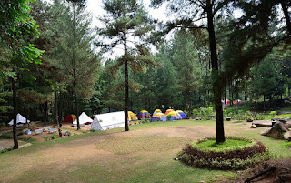 http://gallery-wisata.blogspot.com/2015/12/4-tempat-wisata-romantis-di-bogor-yang-wajib-dikunjungi.html