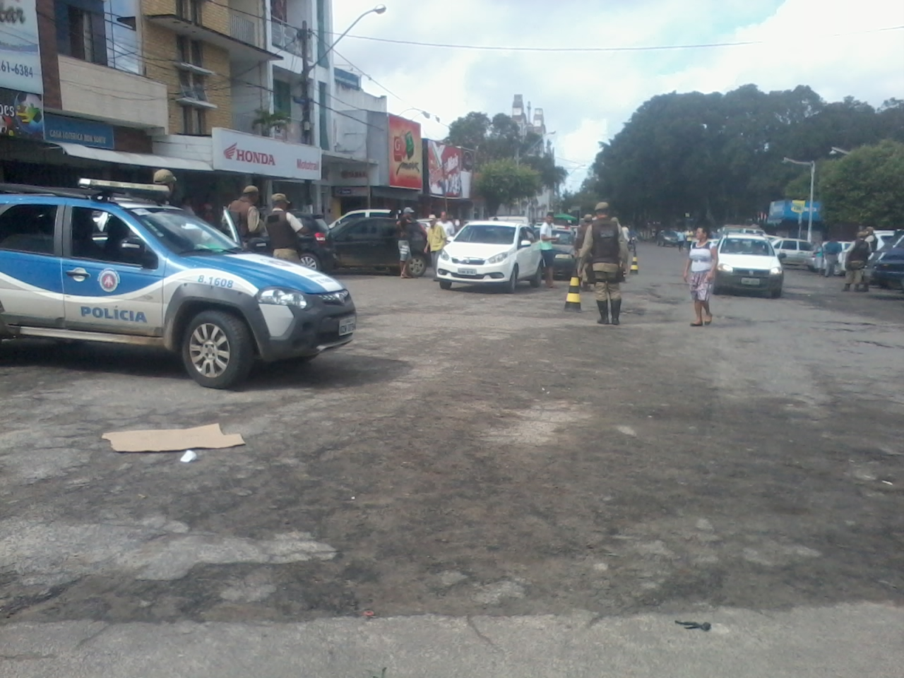 Serrinha:Presença diária da PM no centro da cidade eliminou assaltos.