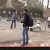 بالفيديو.. أحد المعارضين يستخدم سلاح أبيض لإصابة أحد شباب الإخوان المحاصرين