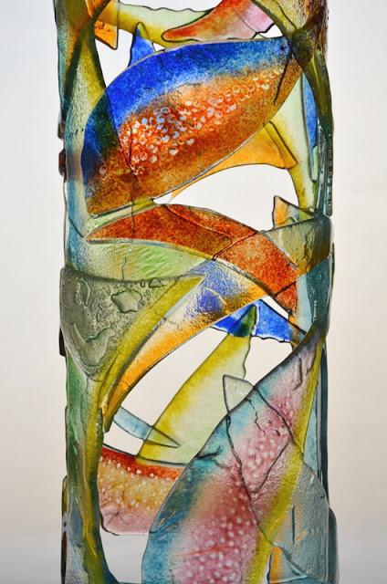 colonne lumineuse verre fusionné , luminaire contemporain, ambiance
