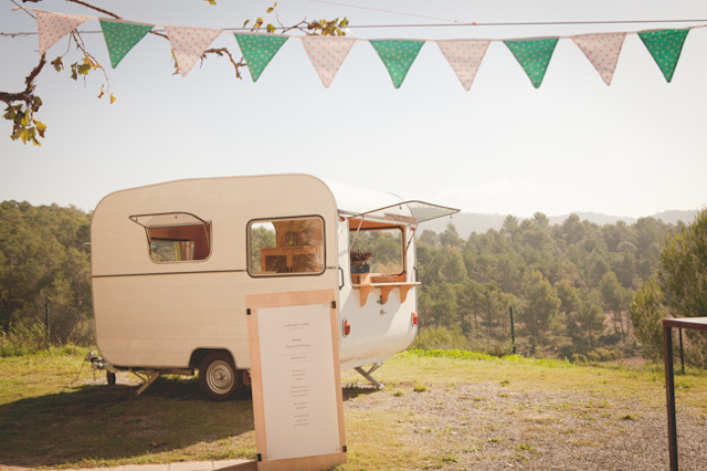 boda rural vintage botas caravan made pajaritas