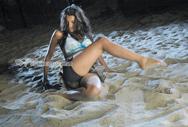 Indian masala item Rinku Ghosh shows off her panty on beach
