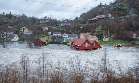 Flooding Norway - UK Battered with Storms 7f0d53dd3357a866987e090aef8203acc7b7cc6974ba9f464d771d48dfb5409f