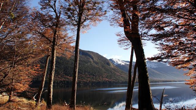 Autumn Lake HD Wallpaper