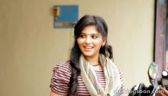 Anjali in Aggi Pulla Movie stills.