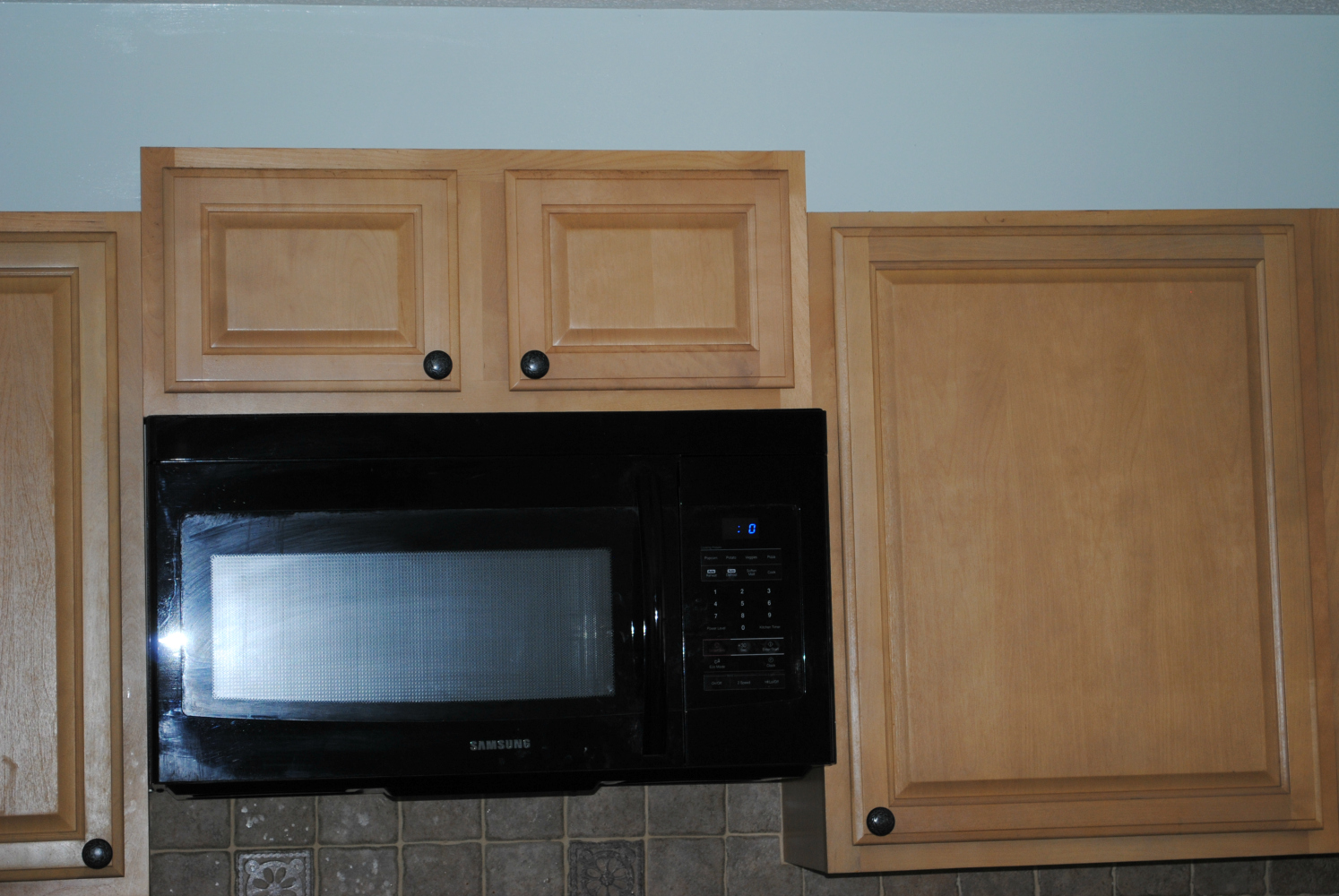 Kitchen appliance colors 2014 - I Can T Wait Until We Get Around The Stage In Our Kitchen Re Do When We Get To Rip Our The Backsplash And Replace Counters And Swap Out Appliances
