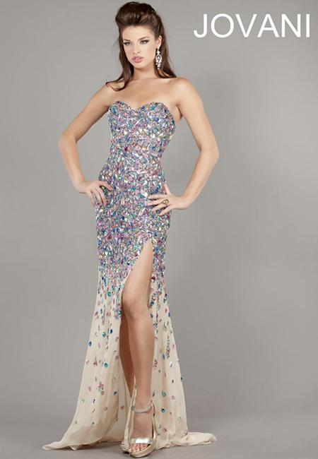 Блестяща рокля с цепка