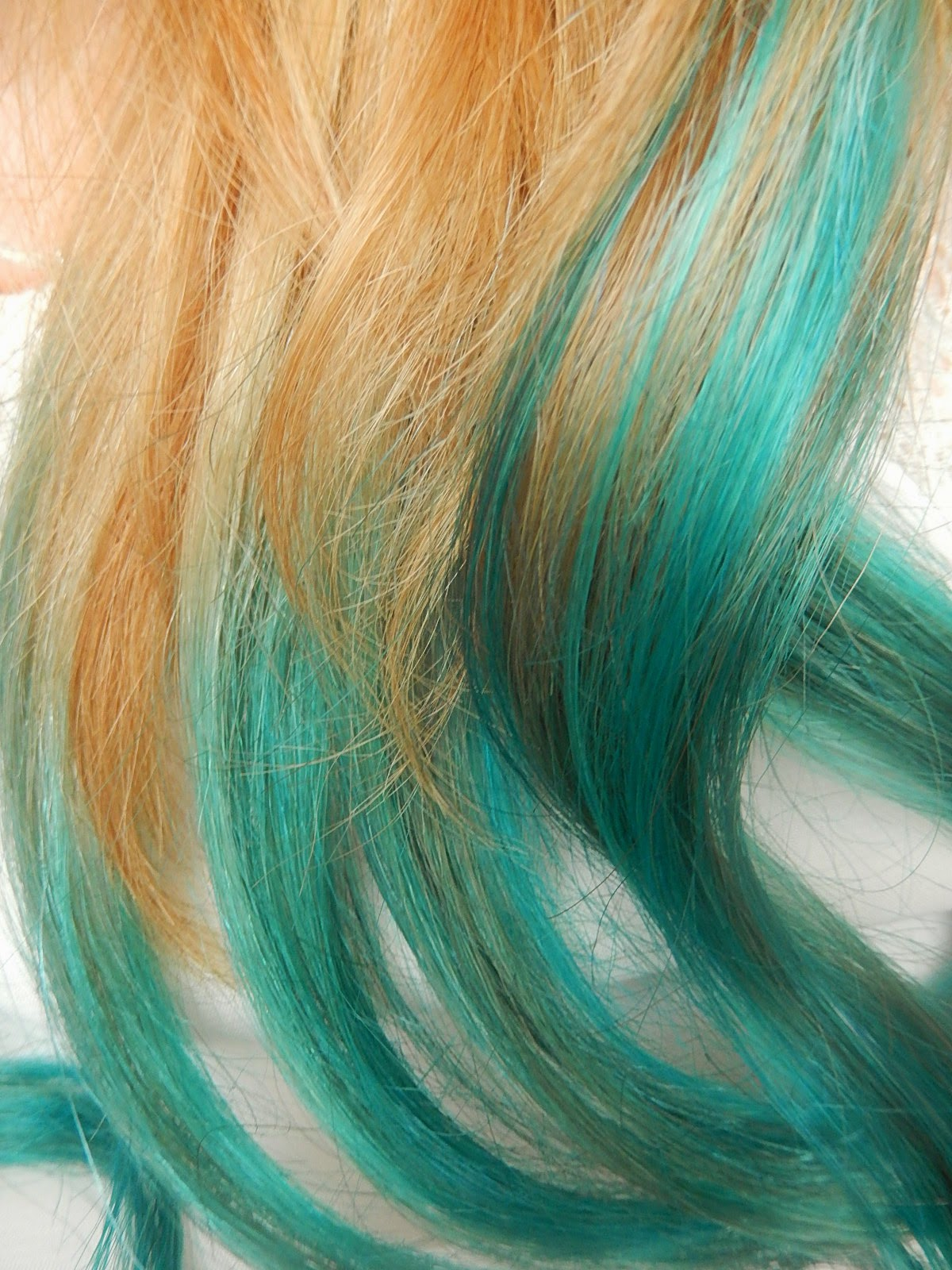 UV Turquoise from Hair Crazy. Mermaid dip dye hair from Beka's Beauty. UK Beauty Blog