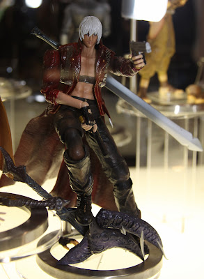 Square Enix Play Arts 2013 Toy Fair Display - Devil May Cry Dante figure