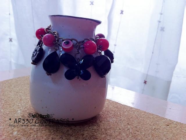 pink-black-contrast-charm-bracelet