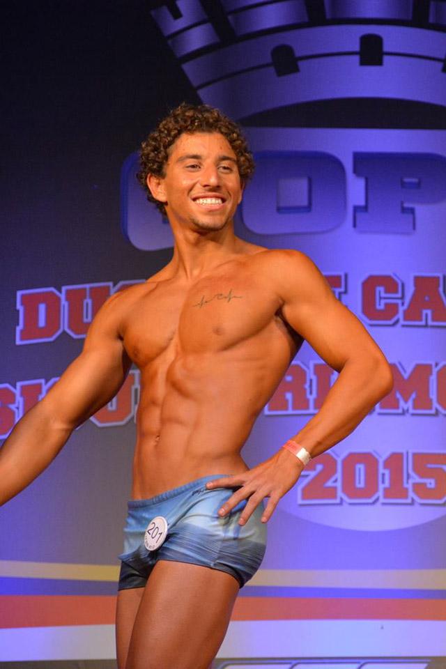 O carioca Bernardo Pizzo estreia sua carreira como fisiculturista na Copa Duque de Caxias. Foto: Alencar Amaral