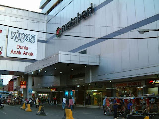 Pusat Perbelanjaan Kings Plaza