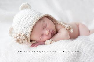 "<img src=""organic cotton baby hat.jpg"" alt=""""/>"
