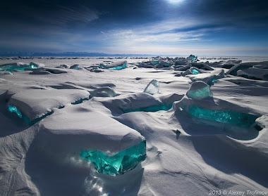 El hielo turquesa del lago baikal