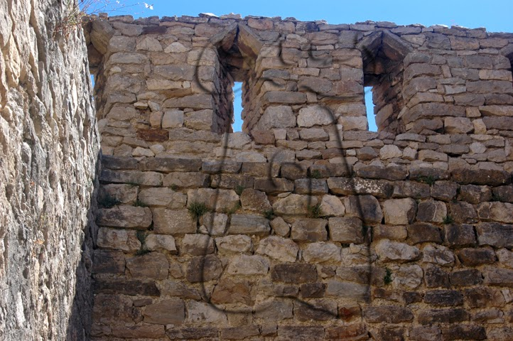 Imagen 2: Fusileras con deriva interior. Torre Vella, Muralla de Morella - Castellón