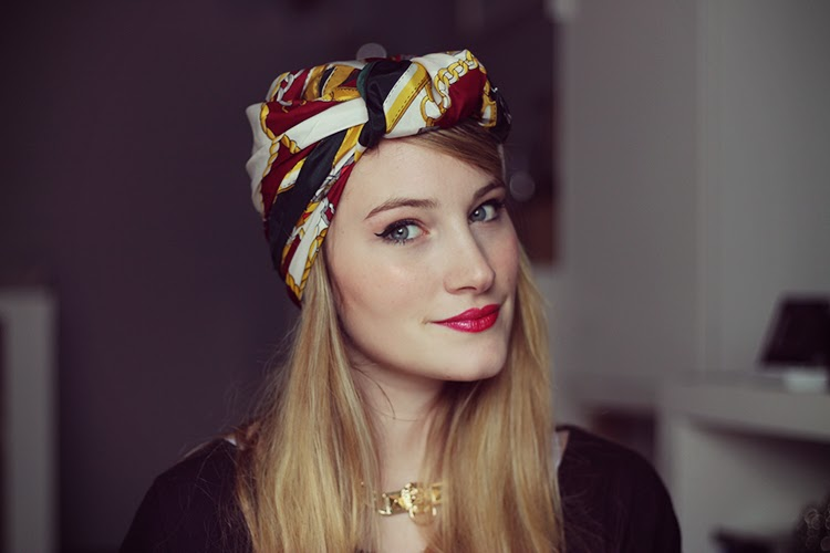 tuto porter un foulard fa on turban tiboudnez. Black Bedroom Furniture Sets. Home Design Ideas