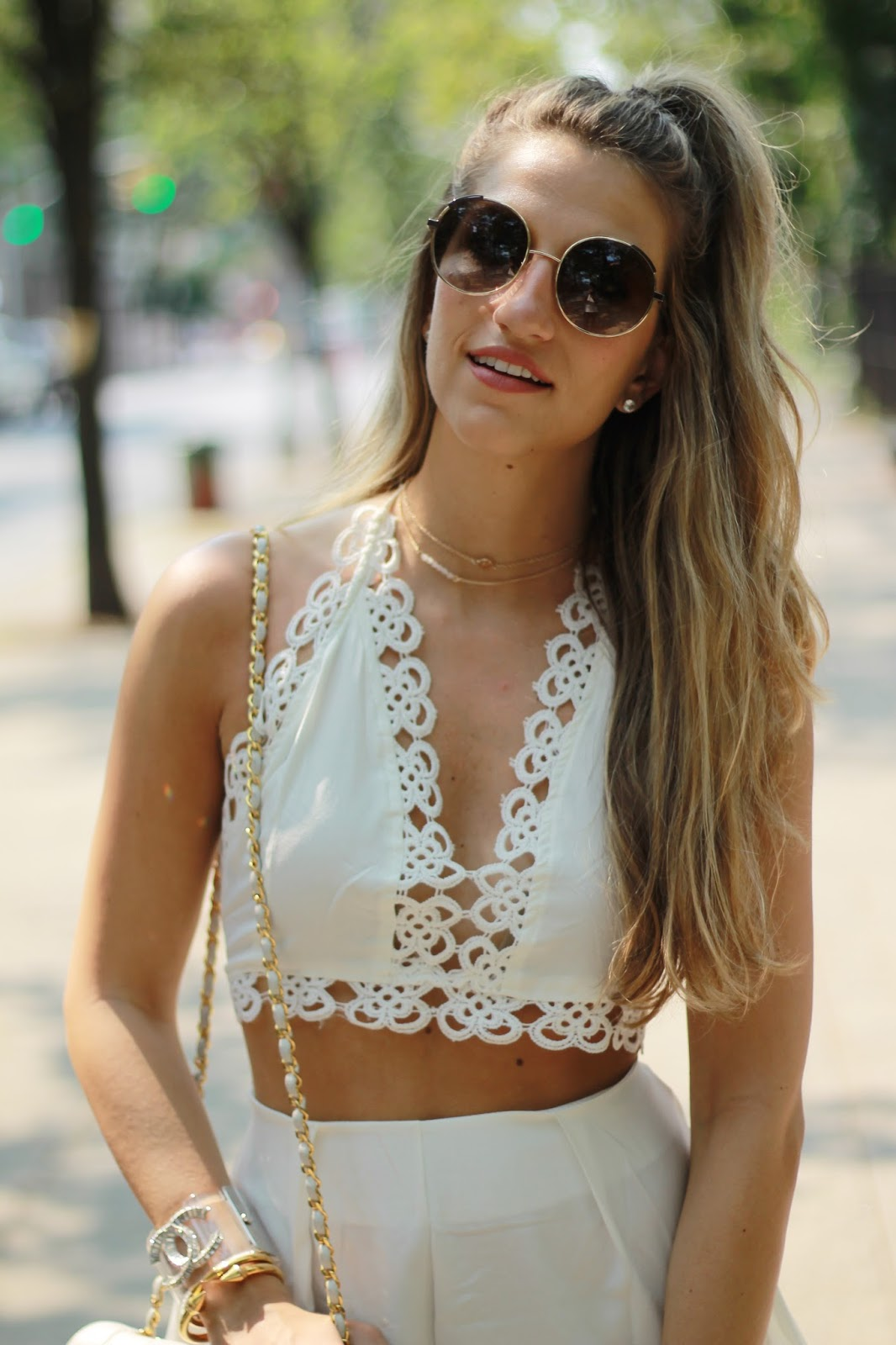 dressed for dreams in, chloe circle sunglasses, circle sunglasses, gold choker necklace