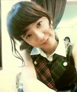 Foto Cantik Beby Chaesara Anadila JKT48 Pakai Seifuku River