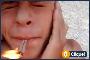 Fumando bombinha pra galera do whatsapp