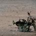 Mundo/Niño yihadista ejecuta a reos del Estado Islámico