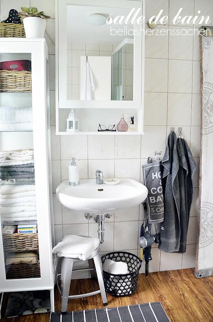 grau weiß schwarz Bad