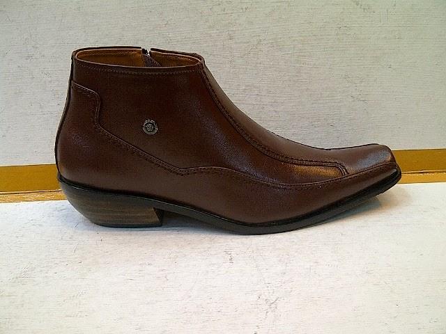 sepatu nike baru 2014  Sepatu Gianny Versace boot d227256648